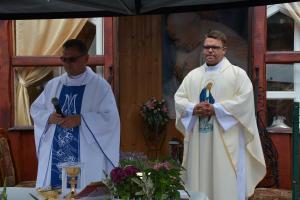 Msza przy kaplicy na Wytrzęsowie